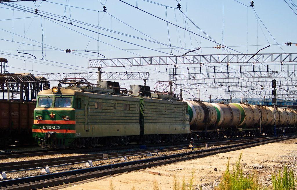 Грузовой поезд сбил нетрезвого миассца, сидевшего напутях